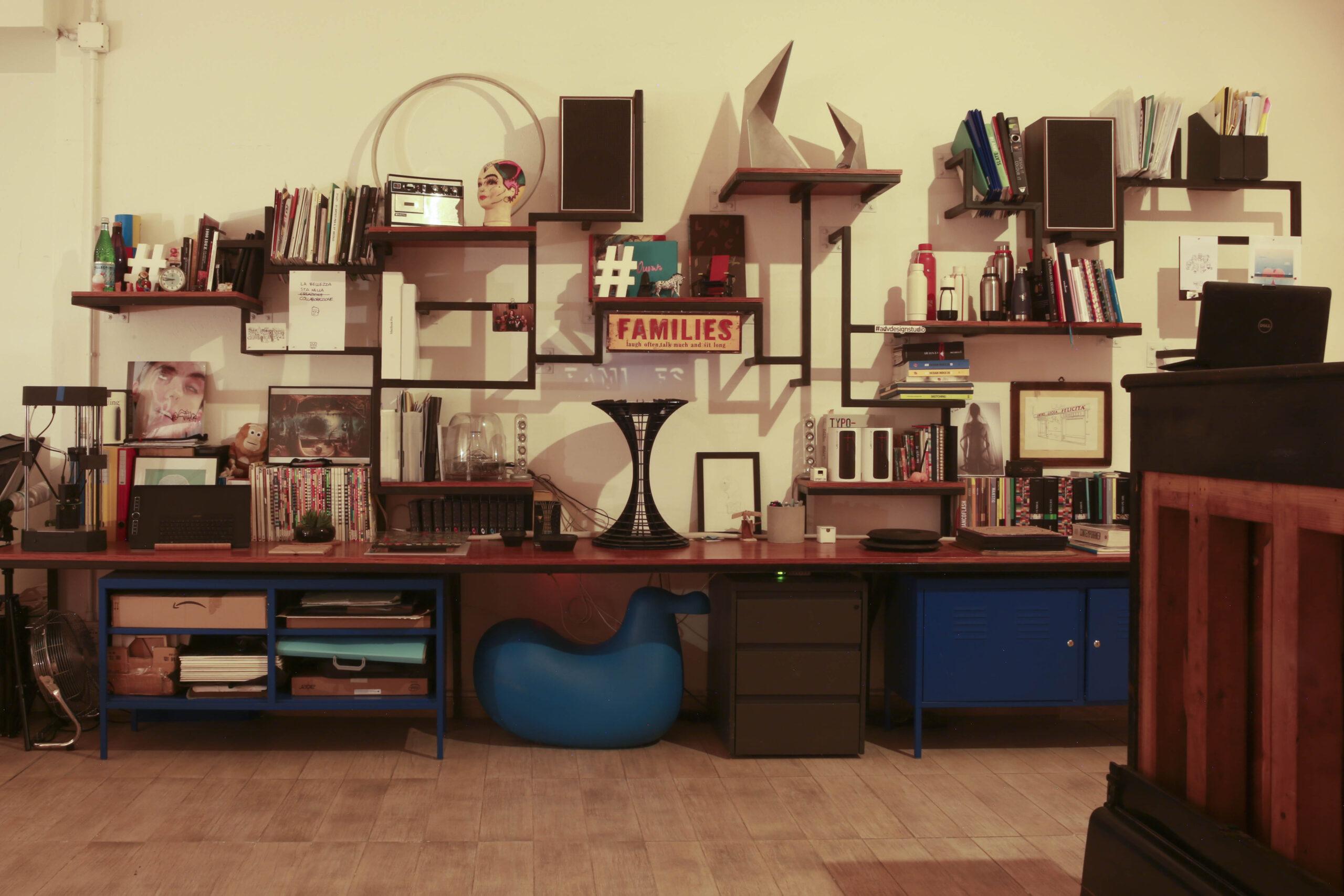 Percezioni dal sottosuolo. Atelier aperto in una casa/studio milanese