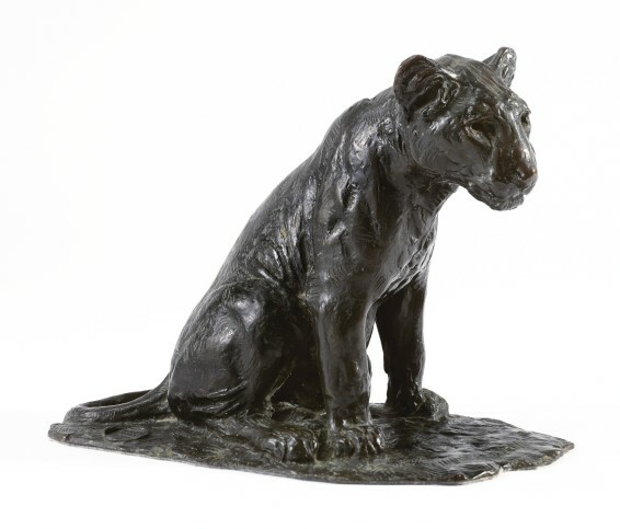 Roger Godchaux (1878 - 1958), Lion Cub Seated - 1930, 30 x 37 x20 cm. Lost wax bronze - Susses Frères. Signed Roger Godchaux on the plinth - XAVIER EECKHOUT