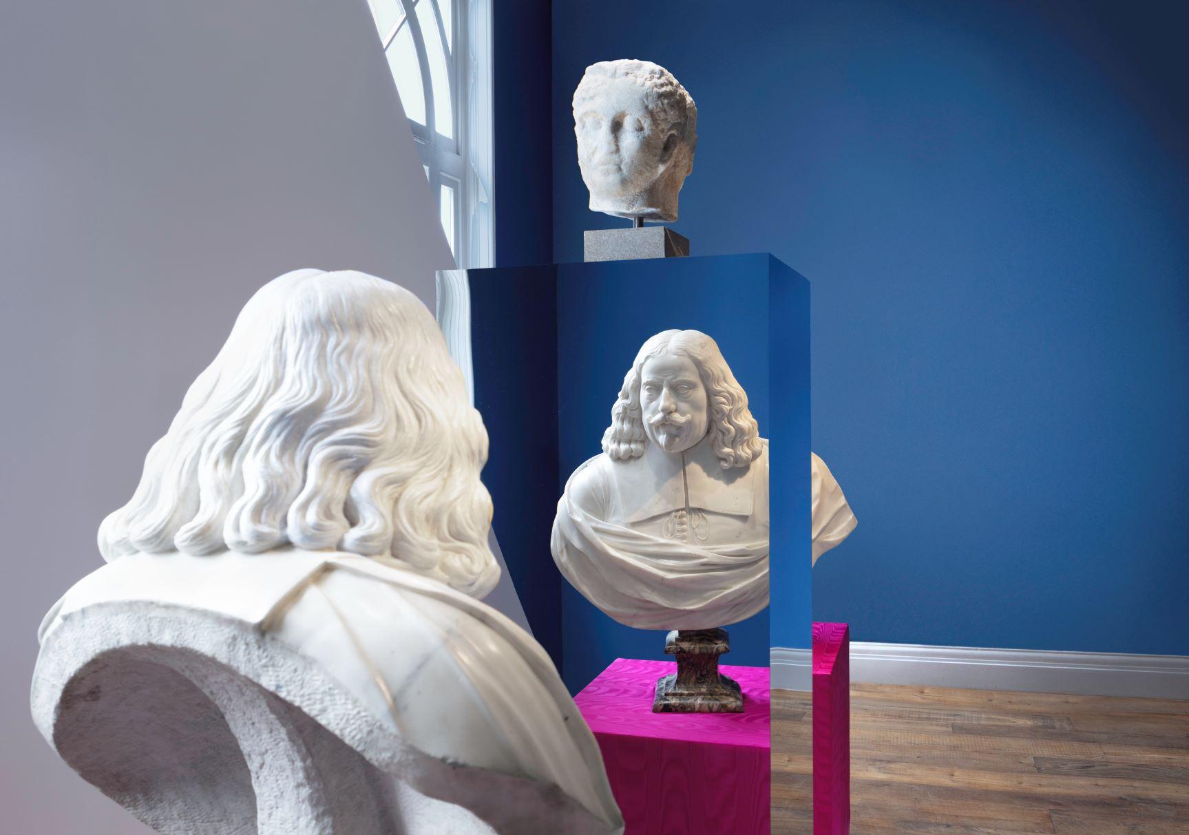 Francesco Vezzoli reinterpreta l'arte barocca in una grande mostra a Londra
